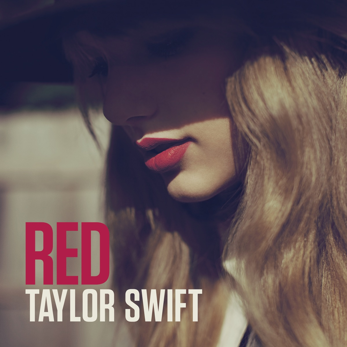 Red Taylor Swift CD cover