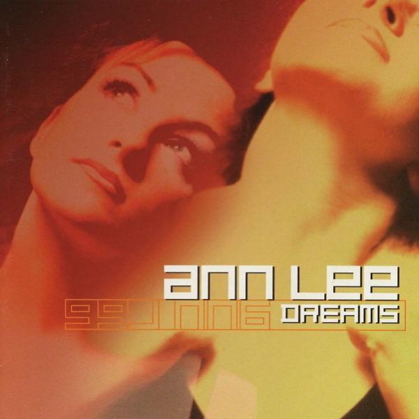 Ann Lee mit 2 Times