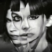 Sleater-Kinney - The Future Is Here