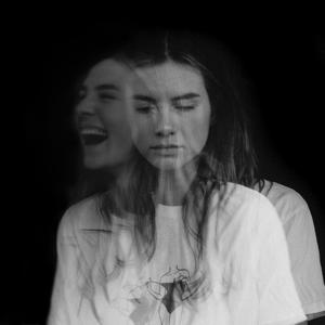Maan - Ze Huilt Maar Ze Lacht