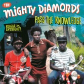 The Mighty Diamonds - Pass the Kutchie