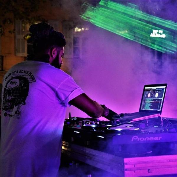 Lieux de mes produiction : NRJ dj Music awards ( MICS  Monaco )  Saint Tropez - Courchevel - Maroc - Portugal - Suisse ...