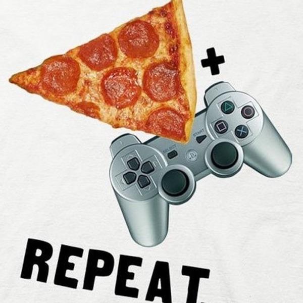 Playstation & Pizza