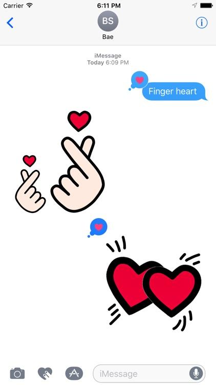 Finger Heart Animated Moji