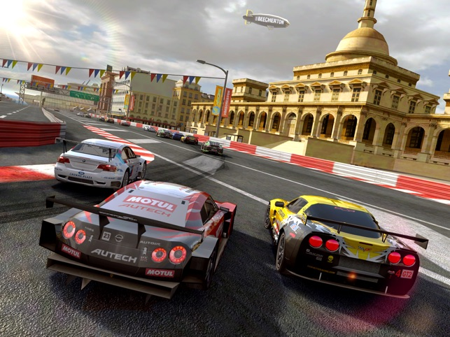 Real Racing 2 HD Screenshot