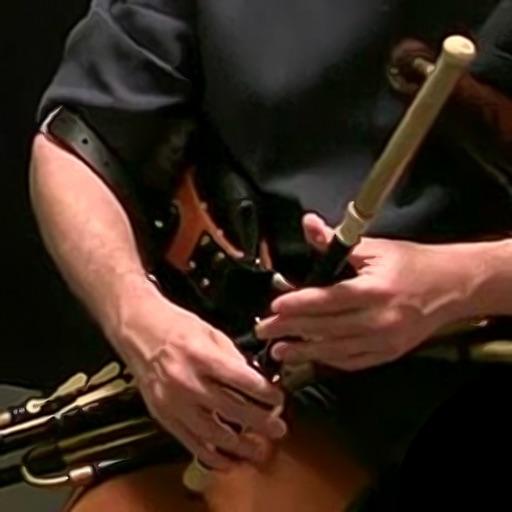 Uilleann - Traditional Irish Bagpipes - Full Set Edition