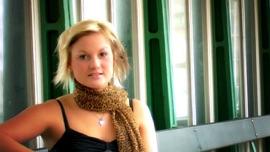 Ich weiß, was ich will - Single Li Belle German Pop Music Video 2013 New Songs Albums Artists Singles Videos Musicians Remixes Image