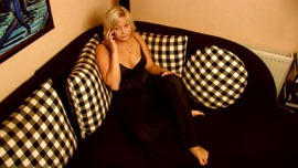 Sonntag früh - Single Li Belle German Pop Music Video 2013 New Songs Albums Artists Singles Videos Musicians Remixes Image