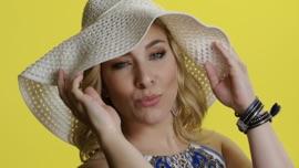 Einfach nur Lust Laura Wilde German Pop Music Video 2019 New Songs Albums Artists Singles Videos Musicians Remixes Image