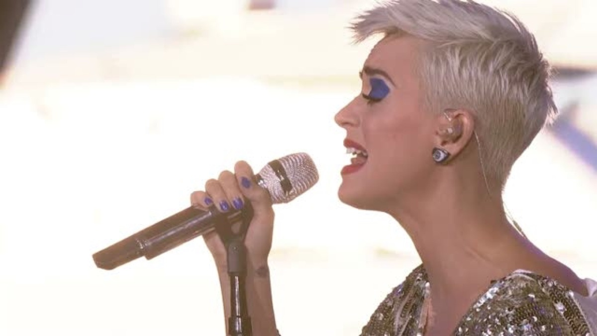 Katy Perry – Part of Me (Live On The World Famous Rooftop, Sydney) [Apple Music Rip M4V – HD] | iplusall.4fullz.com