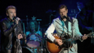 Blueberry Hill (En Duo avec Chris Isaak) [La Cigale 2006] - Johnny Hallyday