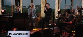 The Sun Always Shines On TV (feat. Ingrid Helene Håvik) [MTV Unplugged]