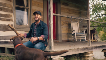 Luke Bryan What Makes You Country music review