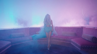 Slumber Party (feat. Tinashe)